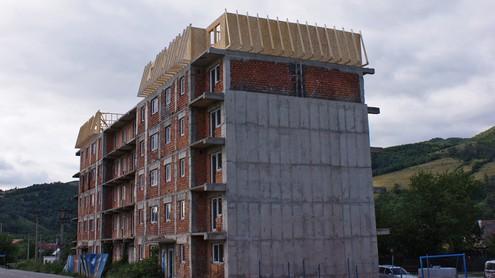 Mansarda cu structuri din lemn pentru blocuri