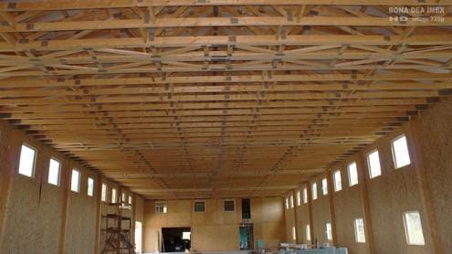 Hale pe structuri din lemn